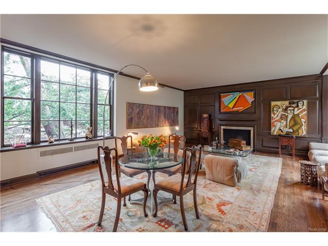 - Elegant Living Room