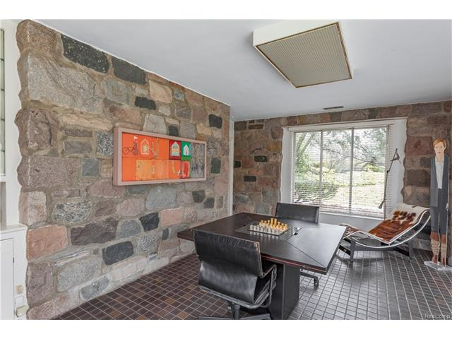 - Secluded Lounge off the Living Room