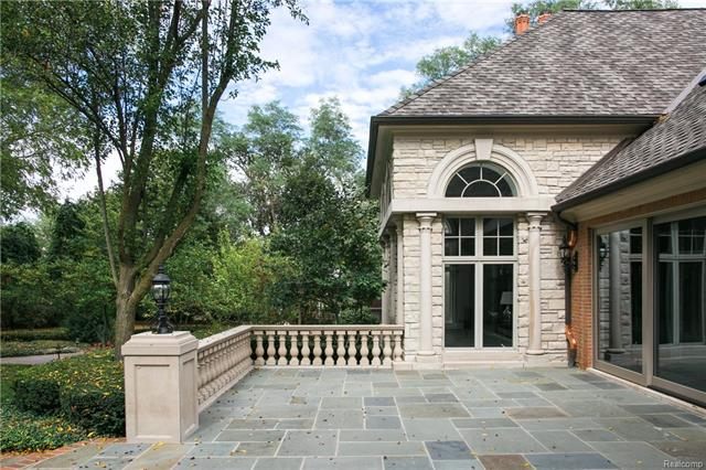- Elevated bluestone patio