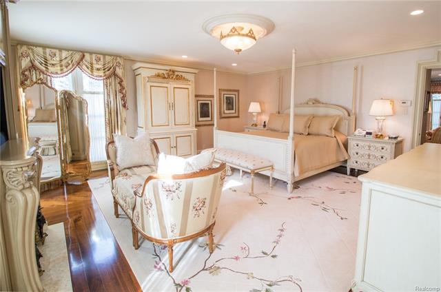 - Master bedroom