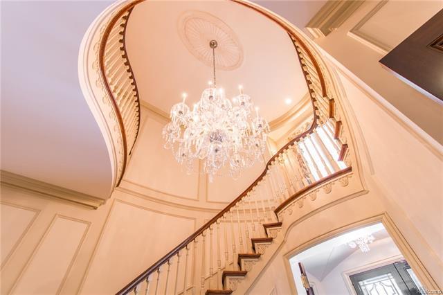 - Stunning chandelier