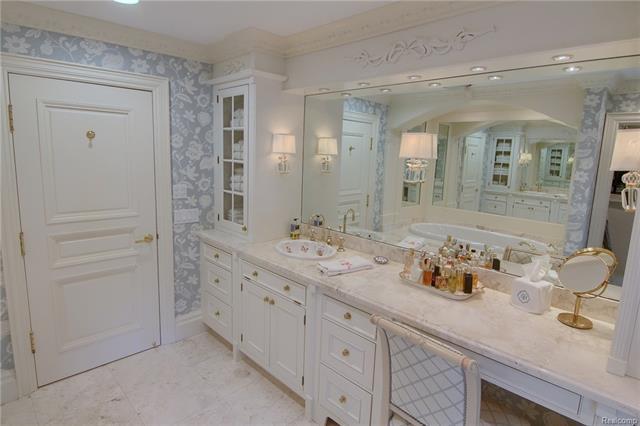 - Master bathroom - hers