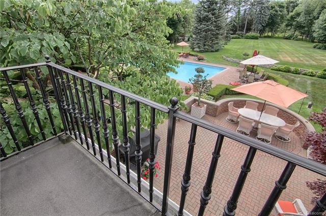 - Balcony off of 3rd bedroom