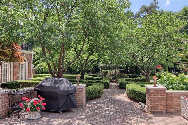 - Garden walkway