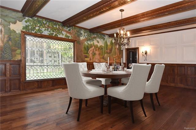 - bb  dining room  .jpg