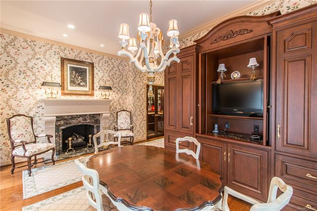 - Breakfast room with fireplace