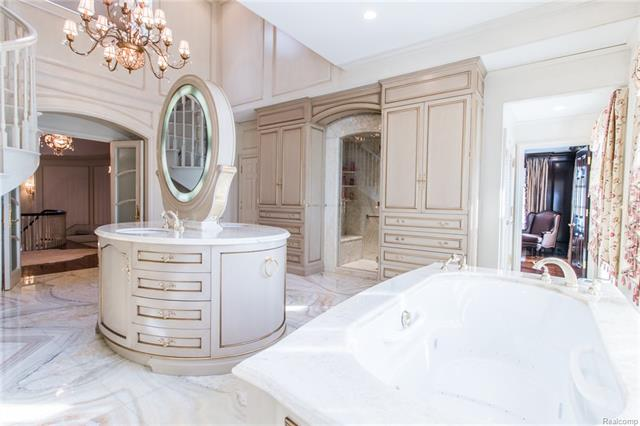 - Master bath view to 2nd closet