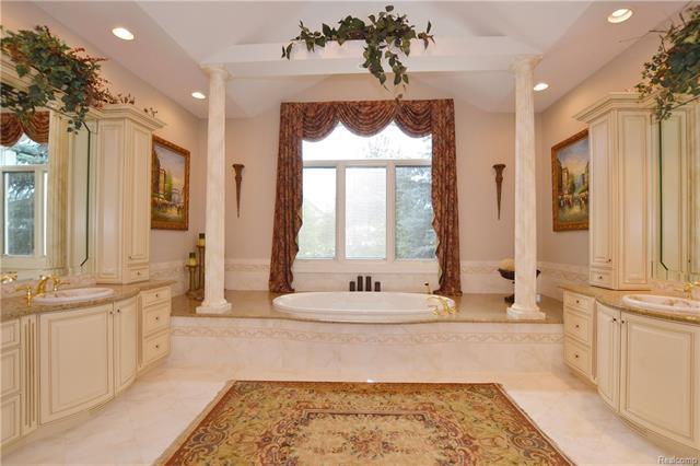 - 22aa   Master Bath With Dual Vanities    Orchard Ridge 5249 august_35.JPG