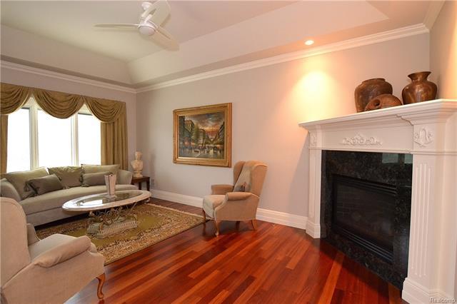 - 26aa   Apartment Living Room   Orchard Ridge 5249 august_54.JPG