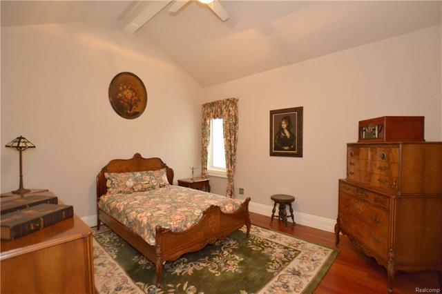 - 30aa   En Suite Bedroom   Orchard Ridge 5249 august_51.JPG