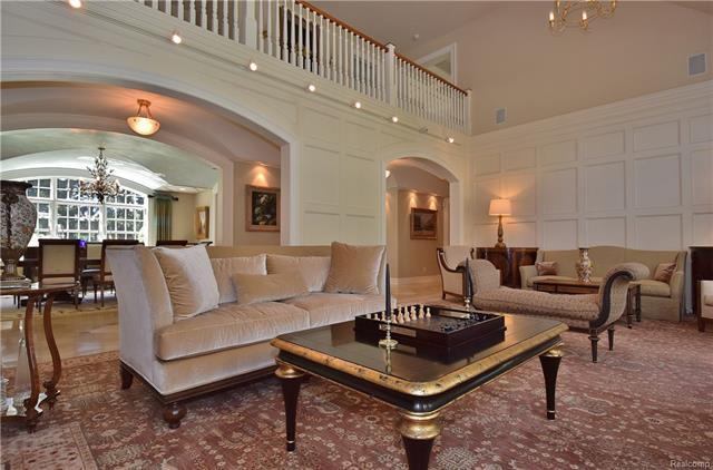 - living room 4.JPG