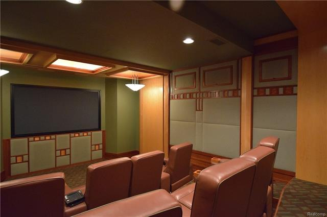 - theater room.JPG