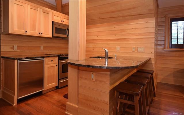 - apartment kitchen.JPG