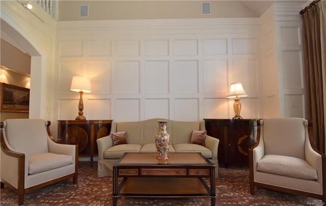 - living room 5.JPG