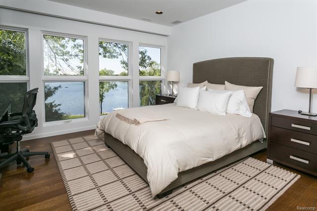 - 2nd bedroom upper level