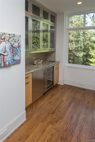 - Kitchen side pantry