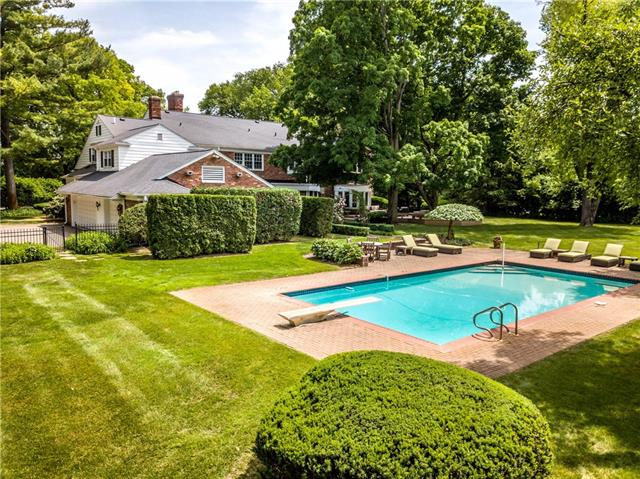 - Stunning in-ground pool