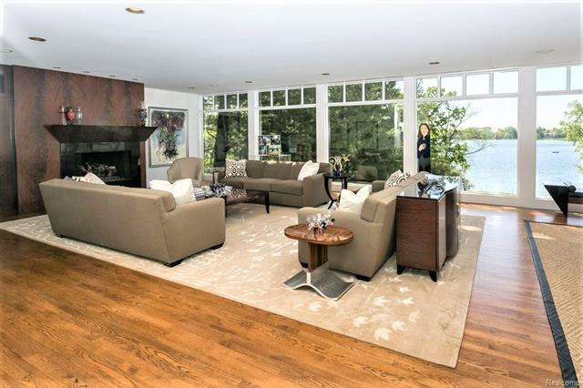 - Formal living room