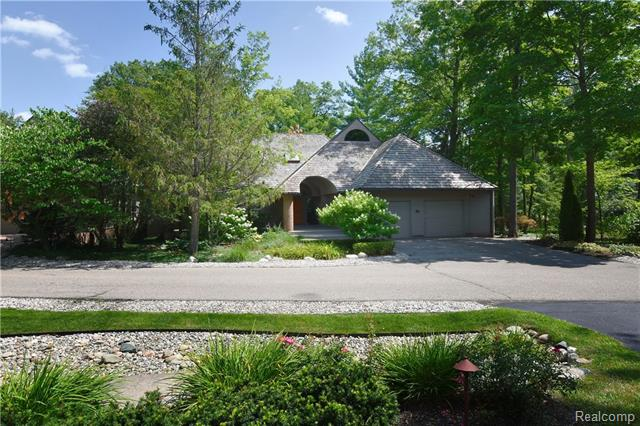 - 55 Scenic Oaks - Minutes from Cranbrook & Downtown Birmingham