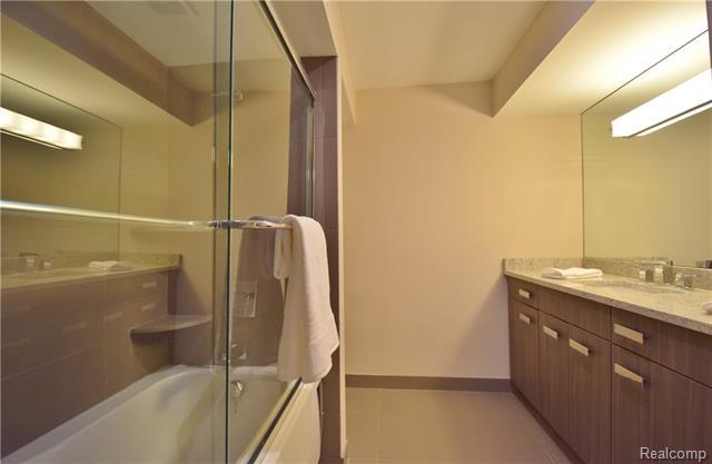 - Lower level ensuite full bath