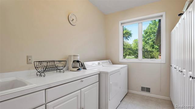 - 6175-Lakeshore-Rd-Lexington-MI-48450-windowstill-24.jpg