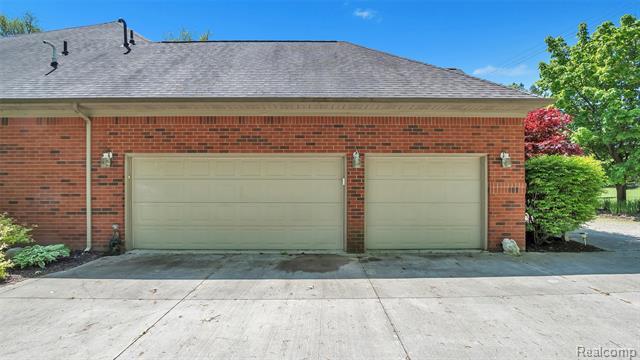 - 6175-Lakeshore-Rd-Lexington-MI-48450-windowstill-47.jpg